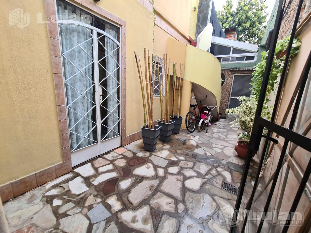 Foto PH en Venta en  Mataderos ,  Capital Federal  Pasaje De la Misericordia al 5500