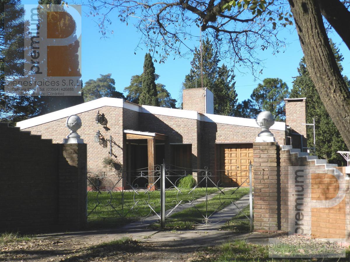 Foto Casa en Venta en  Las Rosas,  San Francisco  Los Tulipanes esq. Juan de Garay