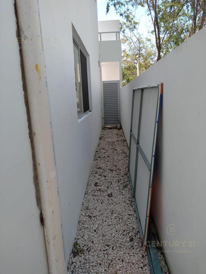 Foto Casa en Venta en  Playa Azul,  Solidaridad  Fraccionamiento el Encuentro Privada Barcelona No. 64 Playa del Carmen P2803