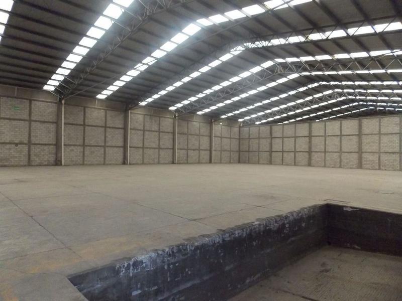Foto Bodega Industrial en Renta en  Toluca,  Toluca  NAVE EN RENTA EN BLVD. AEROPUERTO