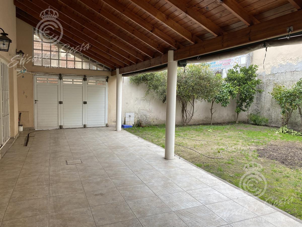Foto Casa en Venta en  Lanús Oeste,  Lanús  Quintana al 1300