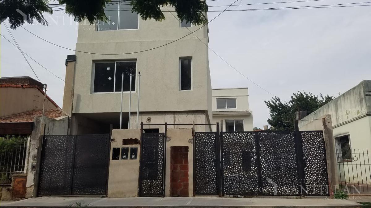 Foto Casa en Venta en  Olivos,  Vicente Lopez  Pedro Goyena, Olivos | Triplex
