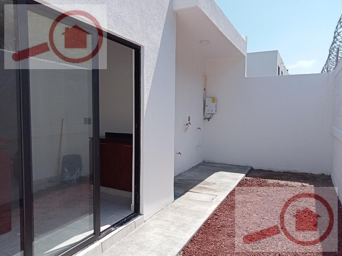 Foto Casa en Venta en  Fraccionamiento Lomas de la Rioja,  Alvarado  Casa de una Planta en Venta en Lomas de La Rioja 1a. Secc.
