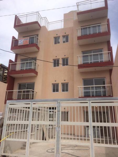 Foto Departamento en Venta    en  Villa Sarmiento,  Moron  Emilio Mitre 1232 1ro 4
