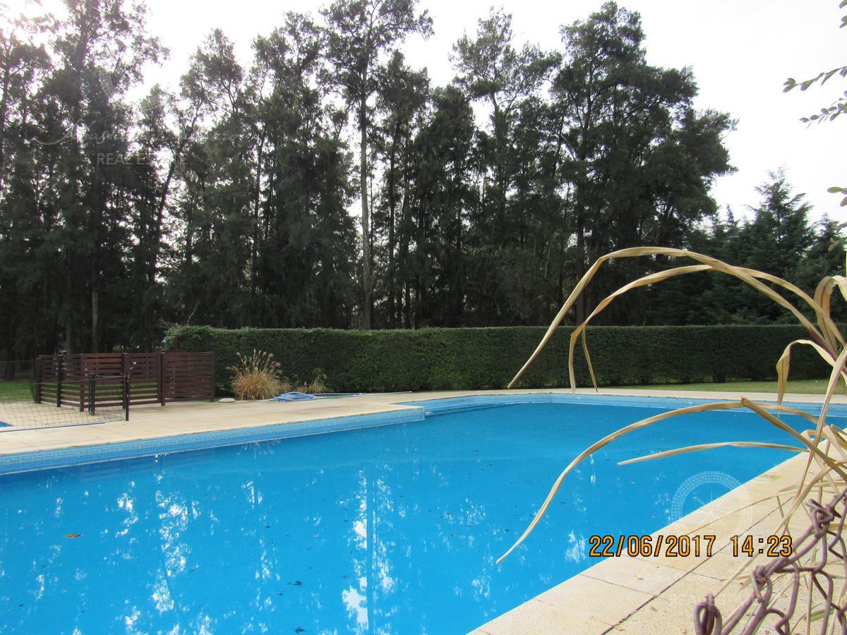 Foto Casa en Venta en  La Deseada,  Countries/B.Cerrado  La Deseada