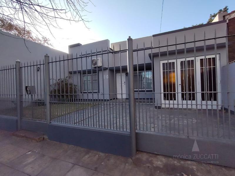 Foto Casa en Venta en  Lomas de Zamora Este,  Lomas De Zamora  Balcarce 530
