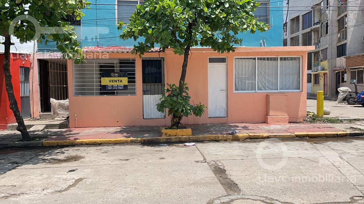 Foto Departamento en Venta en  Playa Sol,  Coatzacoalcos  Juventino Rosas 3006, entre Justo Sierra y Bernardo Simonin, Col. Playa Sol.