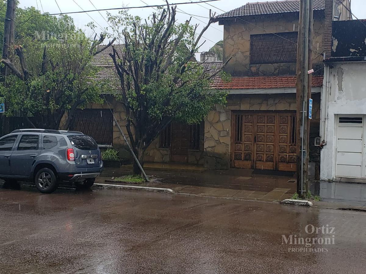 Foto Casa en Venta en  Lomas De Zamora,  Lomas De Zamora  Frias al 400