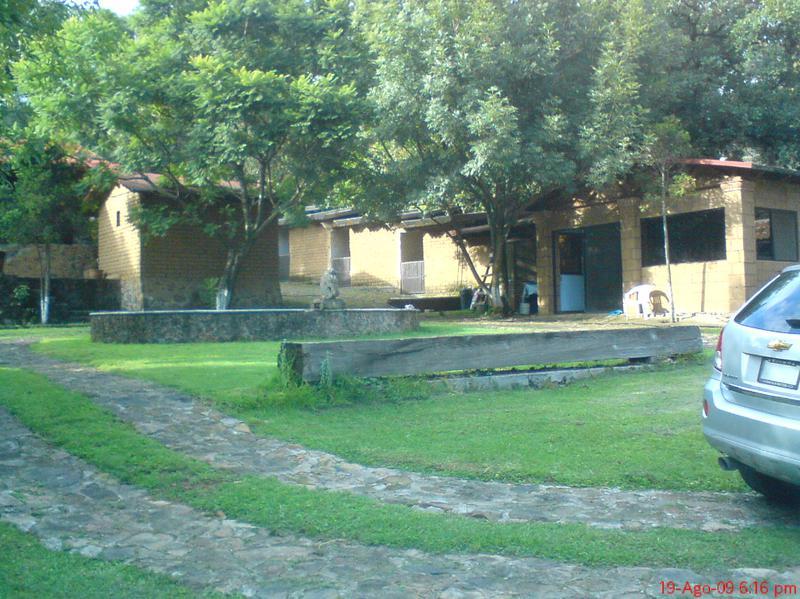 Foto Finca en Venta en  Pueblo Santa María Ahuacatitlán,  Cuernavaca  Rancho en Santa María, Ahuacatitlan