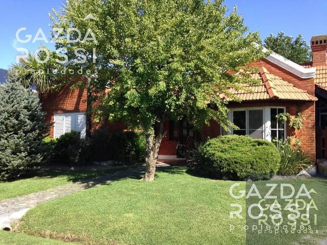 Foto Casa en Venta | Alquiler en  Campos De Echeverria,  Countries/B.Cerrado  Coronel Dupuy 4884