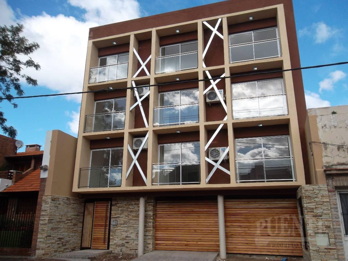 Foto Departamento en Alquiler en  Lomas De Zamora,  Lomas De Zamora  Rivera 680