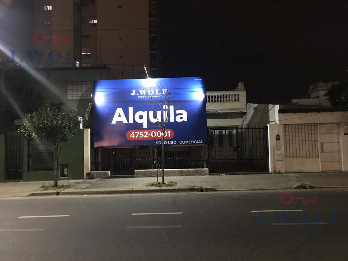Foto Local en Alquiler en  Villa Devoto ,  Capital Federal  Gral Paz al 6300