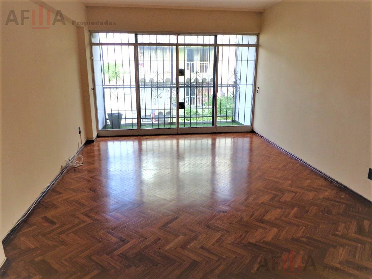 Foto Apartamento en Alquiler en  Centro,  Montevideo  Rio Negro al 1100