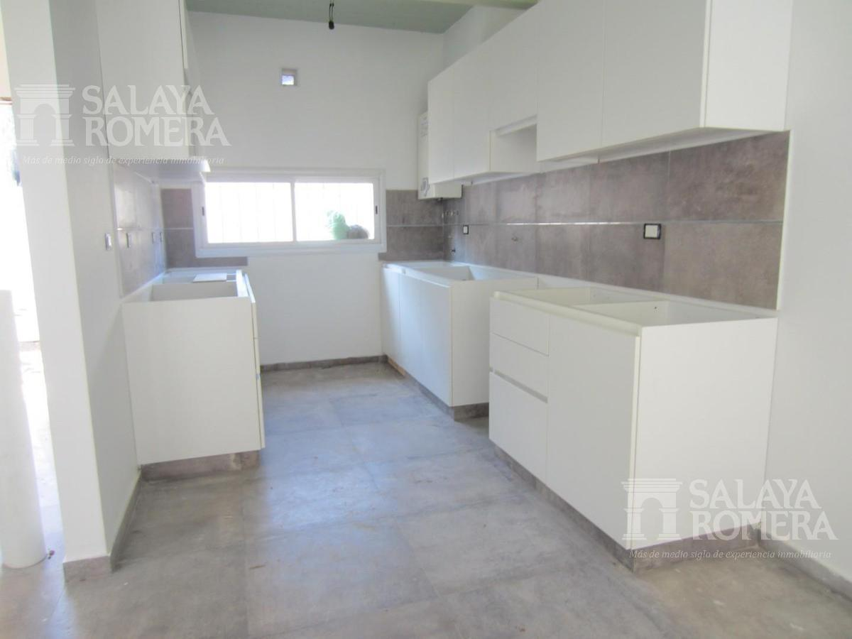 Foto Casa en Venta en  Victoria,  San Fernando  Duplex a estrenar en Condominio -Simon de Iriondo al 800