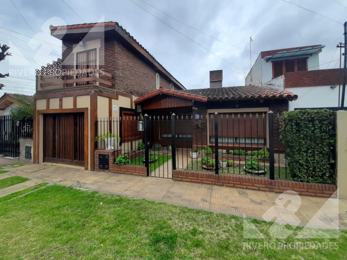Foto Casa en Venta en  Castelar Norte,  Castelar  Los indios al 2400