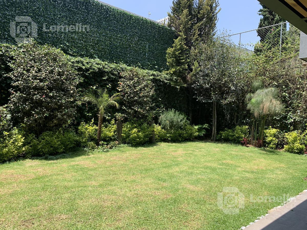Foto Casa en Venta en  Bosque de las Lomas,  Miguel Hidalgo  BOSQUES DE LAS LOMAS - CASA NUEVA DE DISEÑO EN CALLE CERRADA CON SEGURIDAD