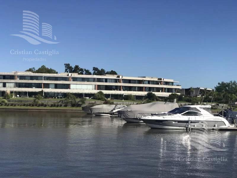 El Yacht