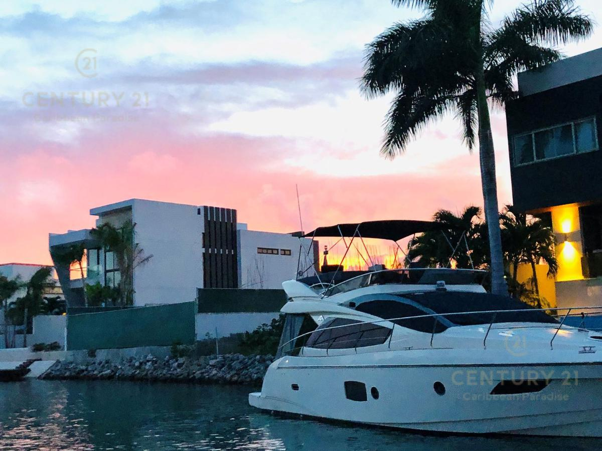 Puerto Cancún Casa for Venta scene image 1