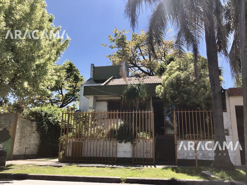 Foto Casa en Venta en  Luis Guillon,  Esteban Echeverria  Fader al 200