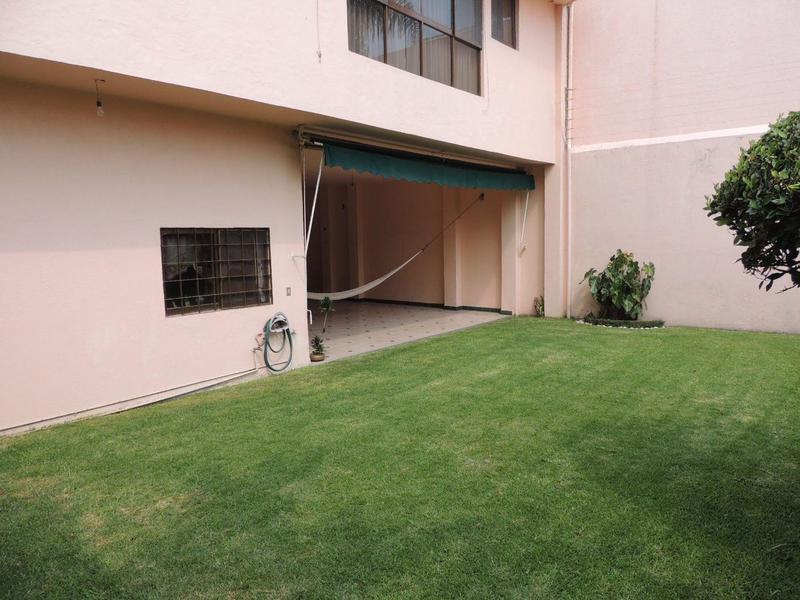 Foto Casa en Venta en  Lomas de Tetela,  Cuernavaca  Venta de Departamento con Bungalows en Cuernavaca...Clave 2088