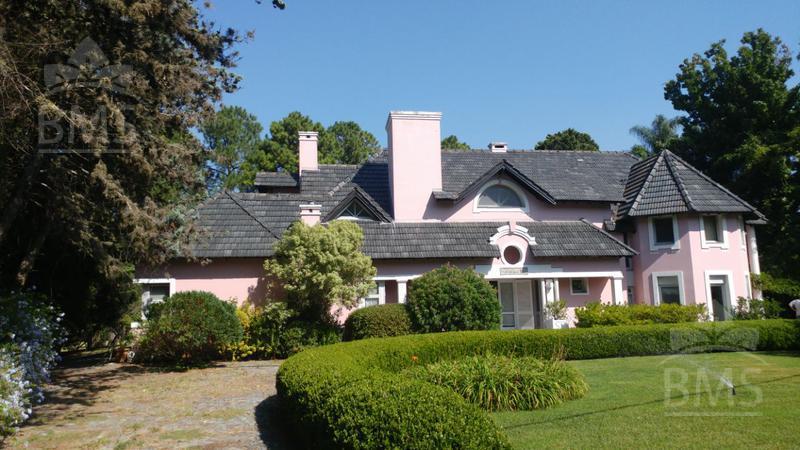 Foto Casa en Venta en  Golfer's,  Countries/B.Cerrado  Golfer's Country Club