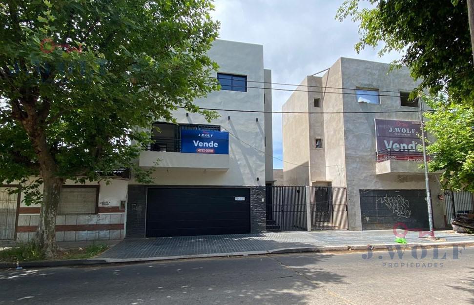 Foto Casa en Venta en  San Andres,  General San Martin  Intendente Casares al 3100