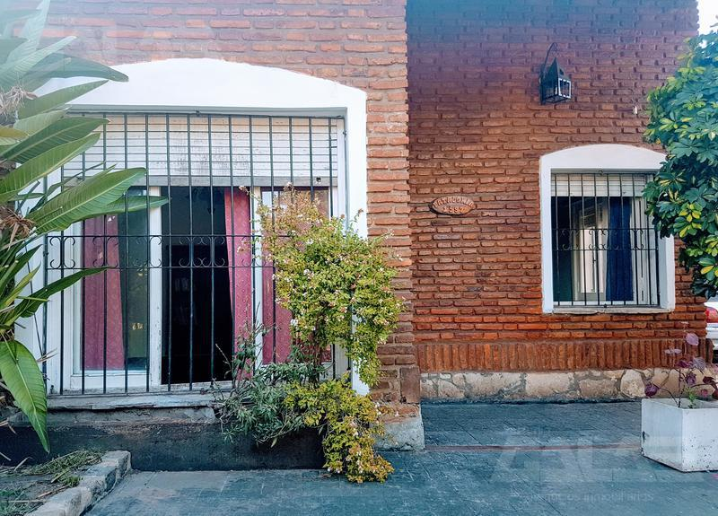 Foto Casa en Venta en  Ituzaingó ,  G.B.A. Zona Oeste  Patagonia al 1500