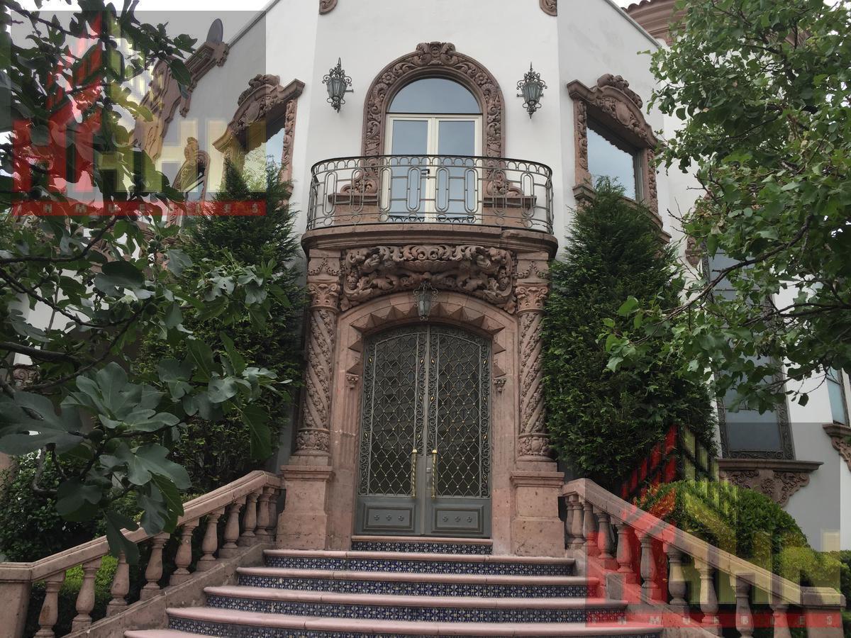 Foto Casa en Venta en  Lomas de Chapultepec,  Miguel Hidalgo  LOMAS CHAPULTEPEC CASA USO SUELO 2000 CONSTRUIDOS UDS12'000,000.-