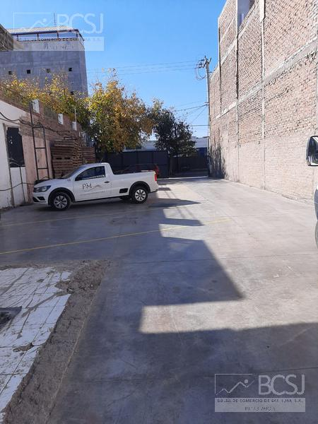 Foto Galpón en Alquiler en  Capital ,  San Juan  Mendoza al 600