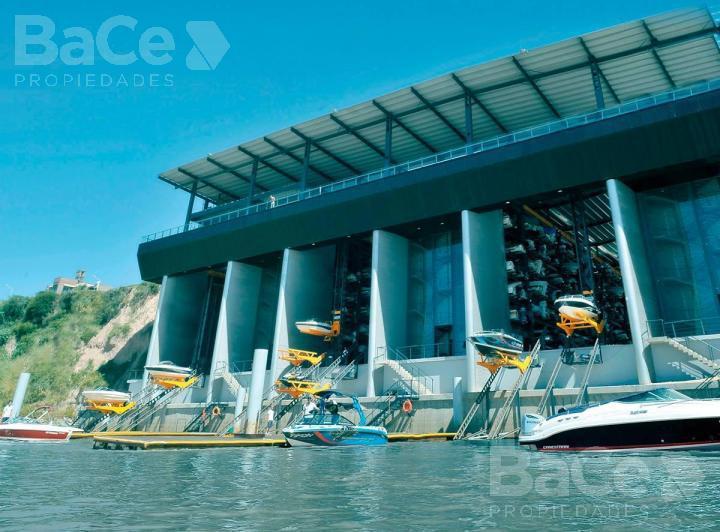 Foto Cama náutica en Venta en  Granadero Baigorria,  Rosario  Tifon Water Planet Baigorria