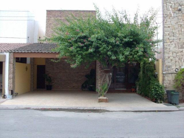 Foto Casa en Renta en  Valle de San Agustin,  San Pedro Garza Garcia  CASA EN RENTA COLONIA VALLE DE SAN AGUSTÍN EN SAN PEDRO GARZA GARCÍA