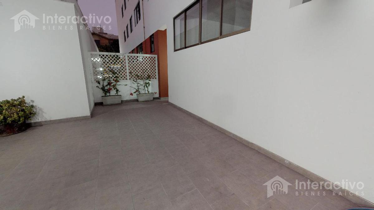 Foto Departamento en Venta en  Barranco,  Lima  Cerca al malecon Pazos, Saenz Peña, Metro