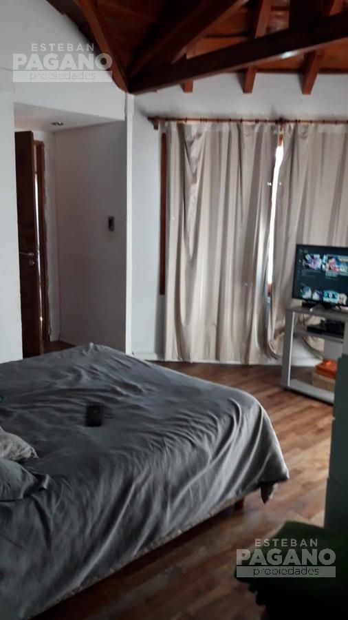 Foto Casa en Venta en  Villa Parque Sicardi,  La Plata  14 bis e/ 637 y 642