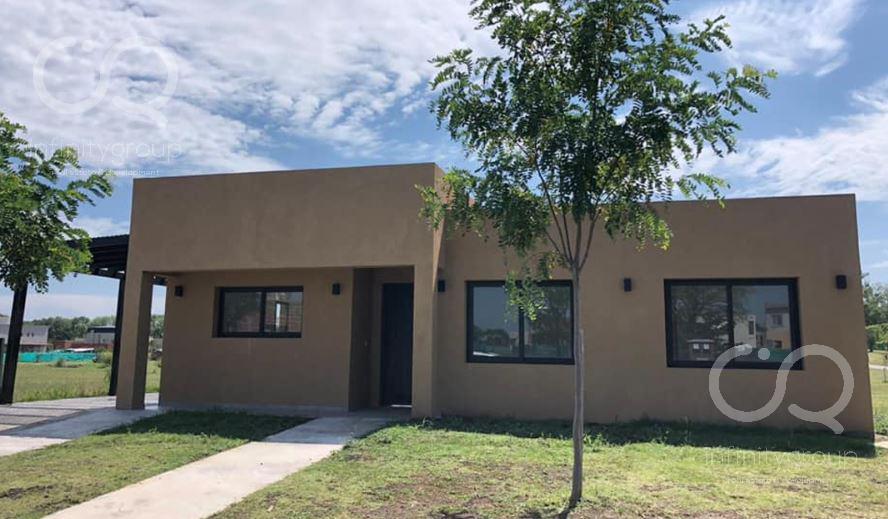 Foto Casa en Venta en  Santa Elena ,  Pilar Del Este  Casa Pilar del Este Santa Elena al 500