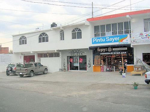 Foto Local en Venta en  Lomas de San Juan,  San Juan del Río  Plaza comercial muy bien ubicada