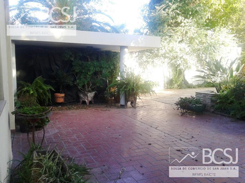 Foto Casa en Venta en  Capital ,  San Juan  libertador y Urquiza