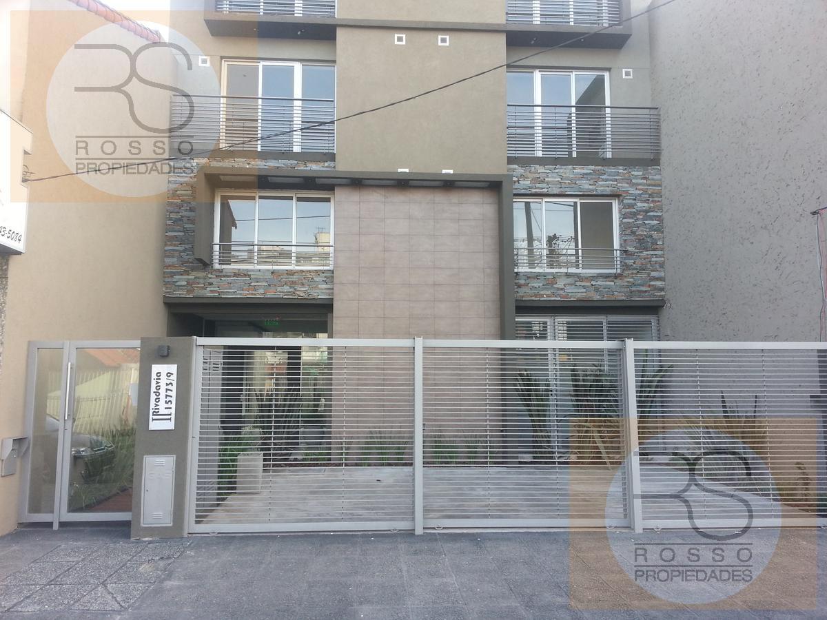 Foto Departamento en Venta    en  Haedo,  Moron  Rivadavia, Av. 15779 PB