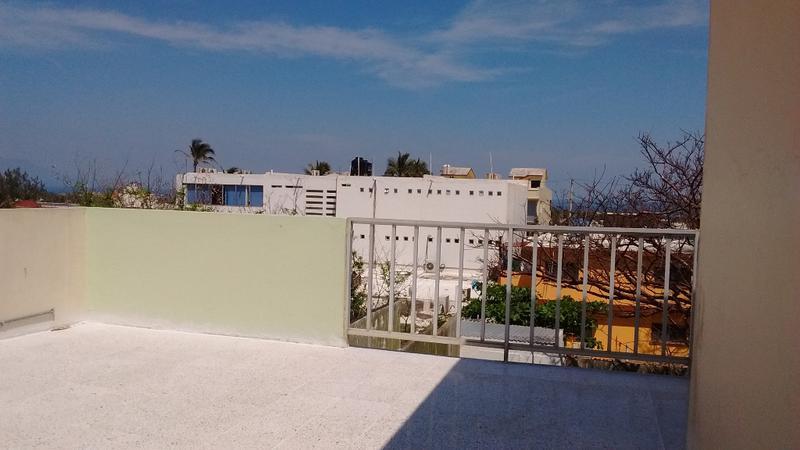 Foto Casa en Venta | Renta en  Petrolera,  Coatzacoalcos  Calle Veracruz No. 610, entre las calles de Puebla y  Sinaloa, de la Colonia Petrolera, en Coatzacoalcos, Ver.