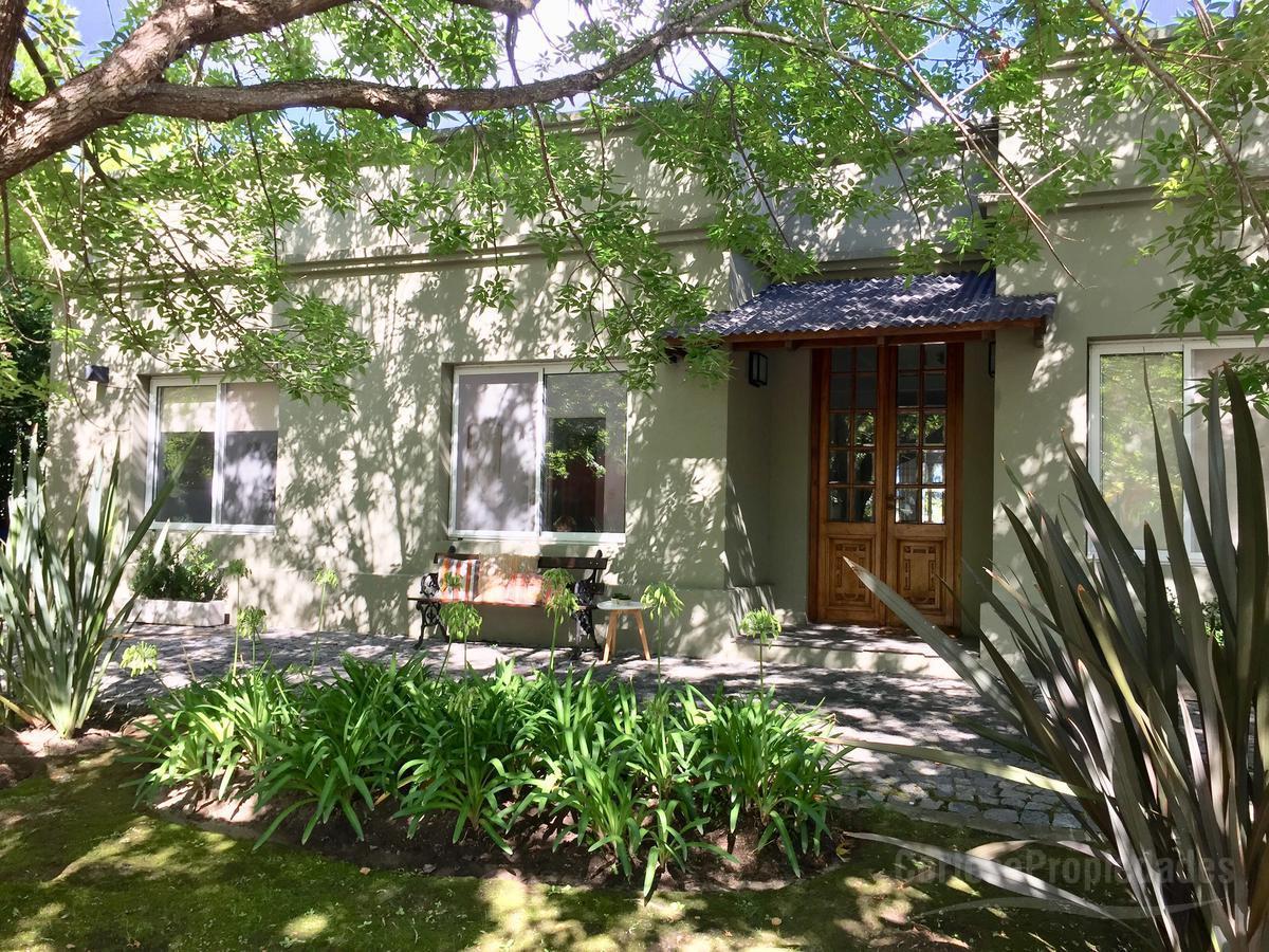 Foto Casa en Venta en  Santa Catalina,  Villanueva  Barrio Santa Catalina