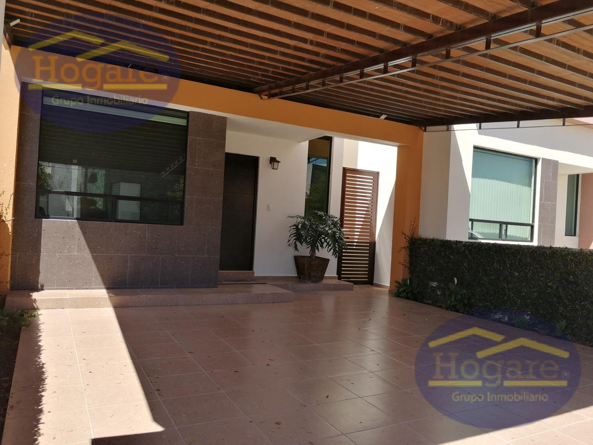 Casa en venta 3 recamarás Fraccionamiento El Mayorazgo León Gto. Cochera techada