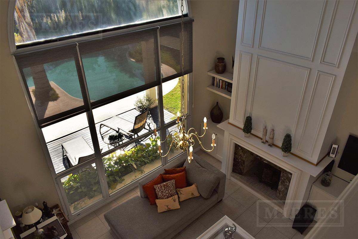 Mieres Propiedades - Casa de 320 mts en  La Lomada