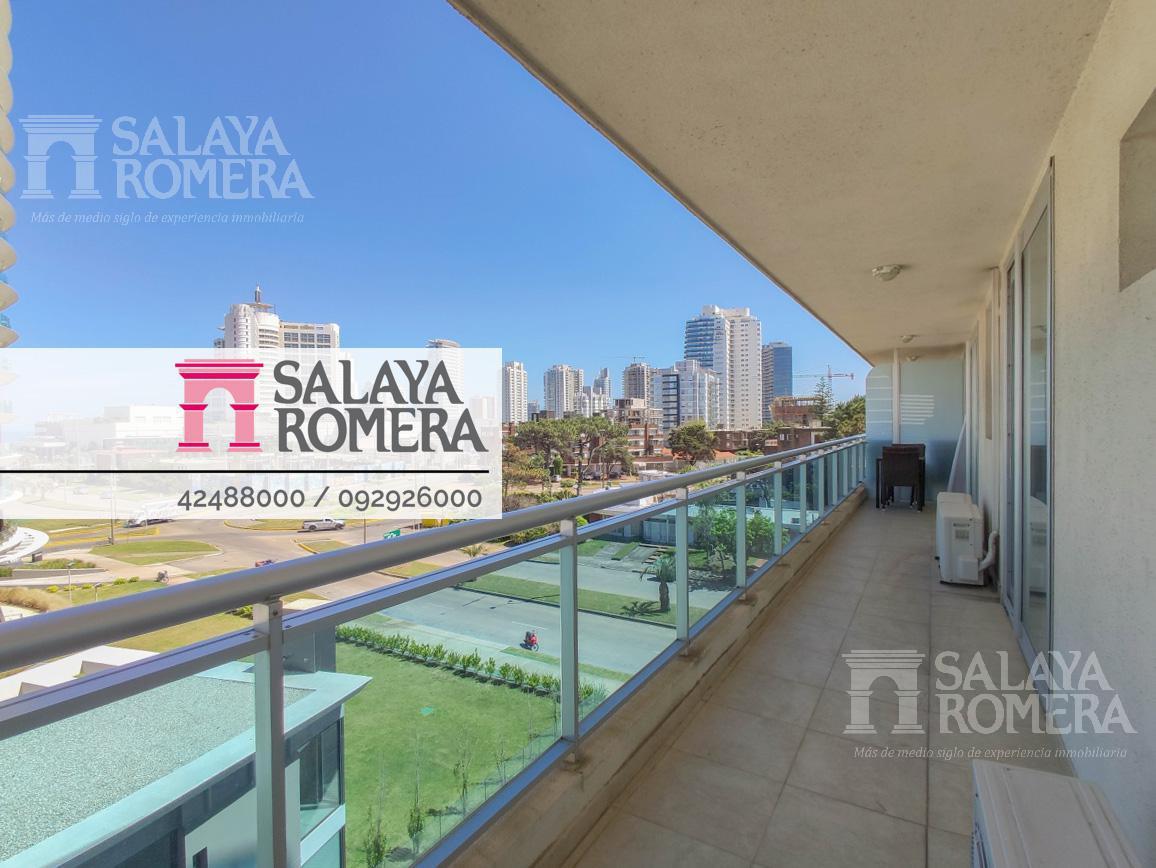 Foto Departamento en Venta en  Playa Brava,  Punta del Este  Departamento en Playa Brava, 2 dormitorios, piscina + garaje
