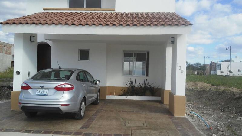 Casa en Renta Mayorazgo 3 recámaras Residencial León Gto.