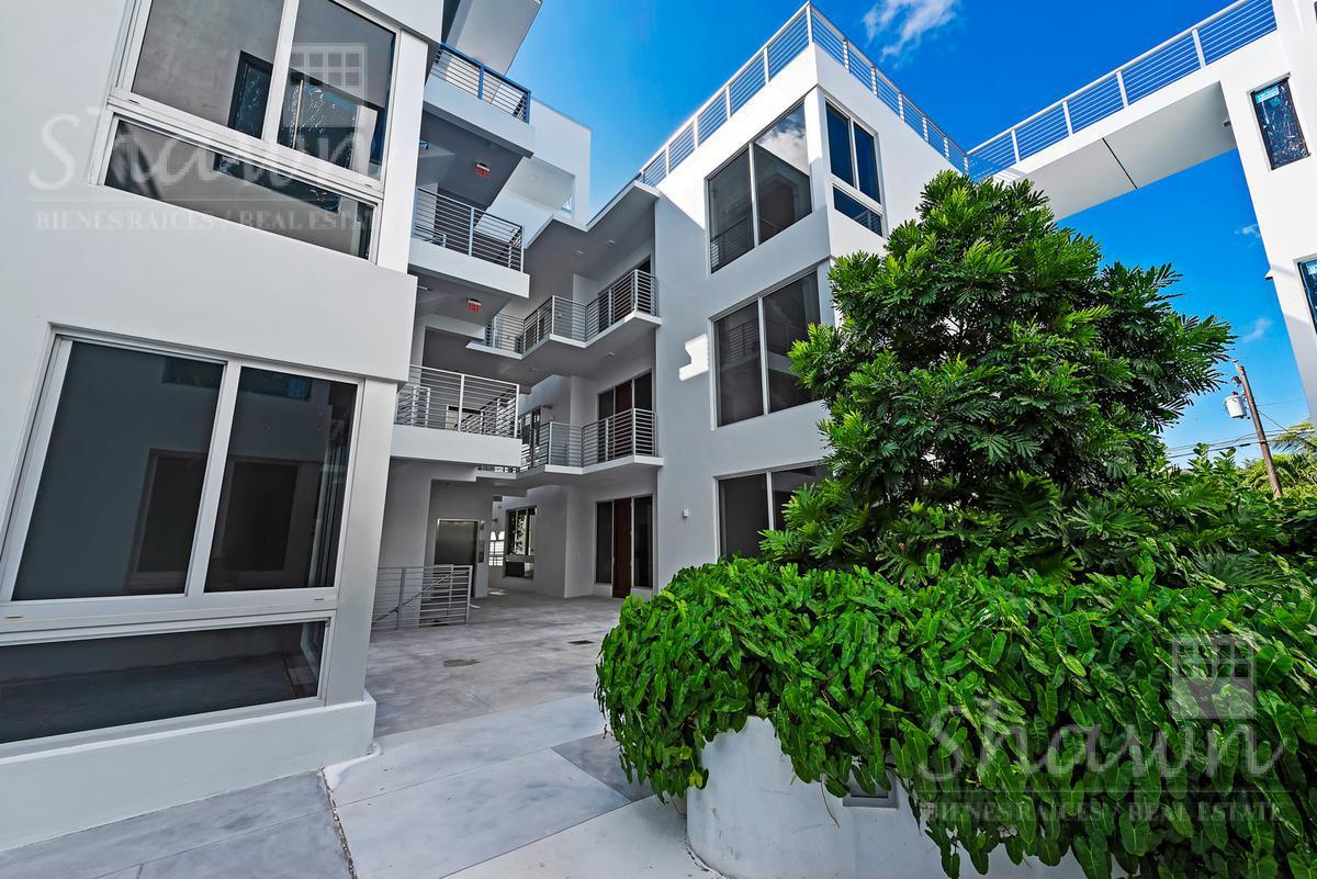 Foto Casa en condominio en Venta en  Miami-dade ,  Florida  529 SW 11th St #104, Miami, FL 33129