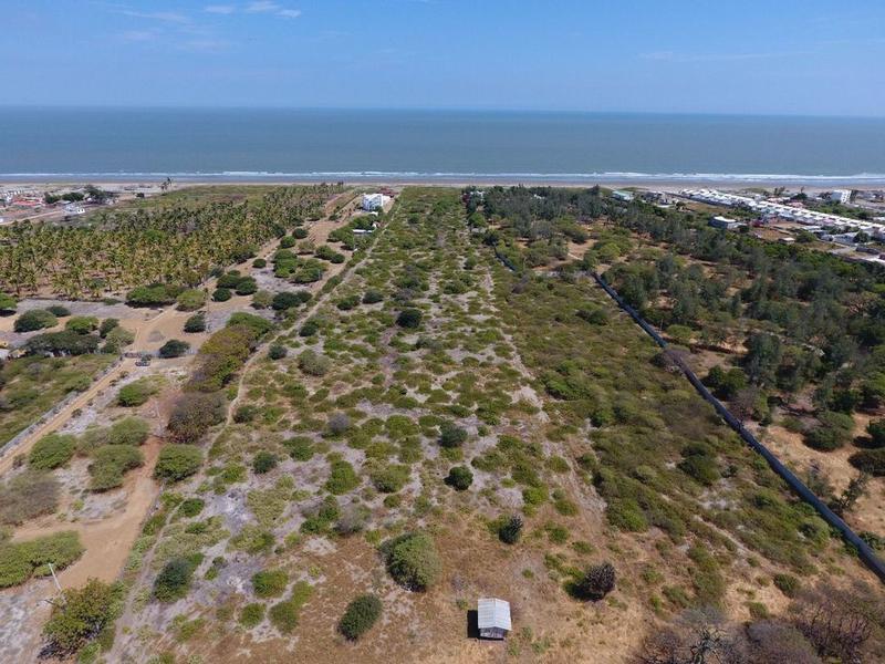 Foto Terreno en Venta |  en  Norte de Playas,  Playas  VENTA DE TERRENO AL MAR SOBRE LA VIA DATA - POSORJA