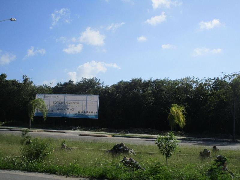 Foto Terreno en Venta en  Playa del Carmen ,  Quintana Roo  TERRENO COMERCIAL  ARRECIFES PLAYA DEL CARMEN C2363