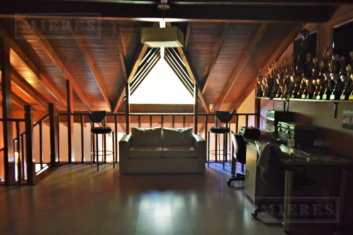 Mieres Propiedades - Casa de 307 mts en El Recodo