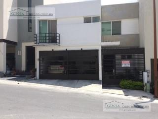 Foto Casa en Venta |  en  Colinas del Valle,  Monterrey  GN-2050