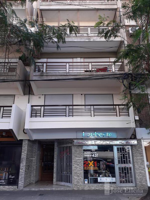 Foto Departamento en Venta en  Rosario ,  Santa Fe  Italia 900