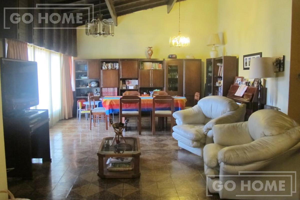 Foto Casa en Venta en  Ituzaingó ,  G.B.A. Zona Oeste  Lucero al 1000